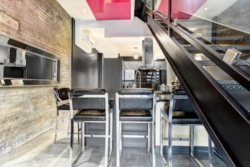 Boutique Lofts Milton Parc by Simplissimmo - Apartment - Montréal
