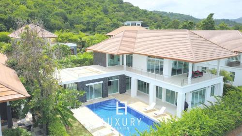 Hua Hin Five Bedroom Villa Hua Hin Five Bedroom Villa
