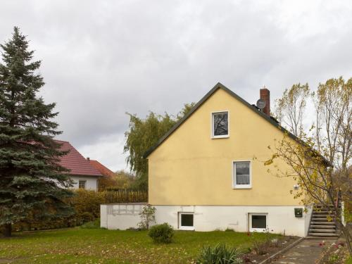 . Cozy Apartment in Am Salzhaff Germany with Garden