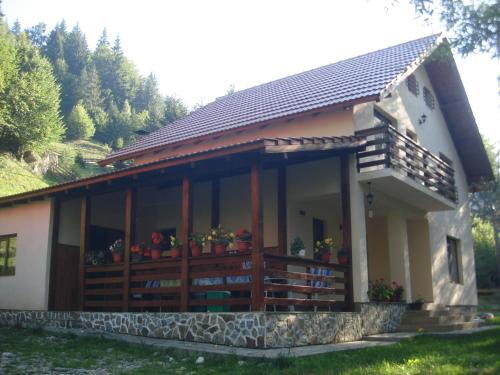 . Casa Maia Dambovicioara