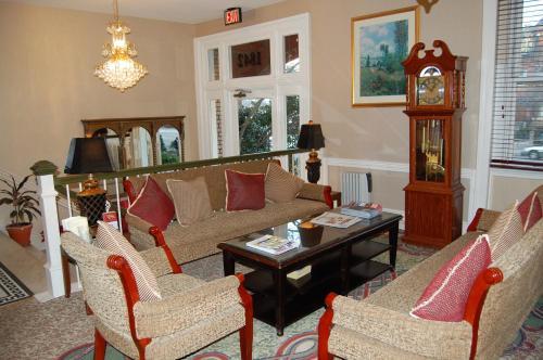 The Windsor Inn - Washington, DC 20009