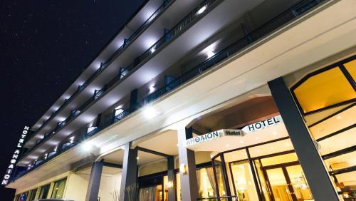 . Hotel Lithaion