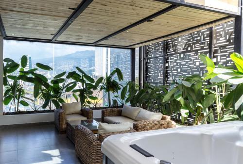 . Hotel 47 Medellin Street