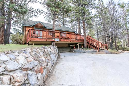 Angel's Retreat By Big Bear Cool Cabins - Big Bear Lake, CA 92315
