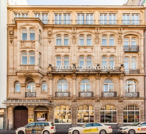 Hotel Monopol - Central Station impression