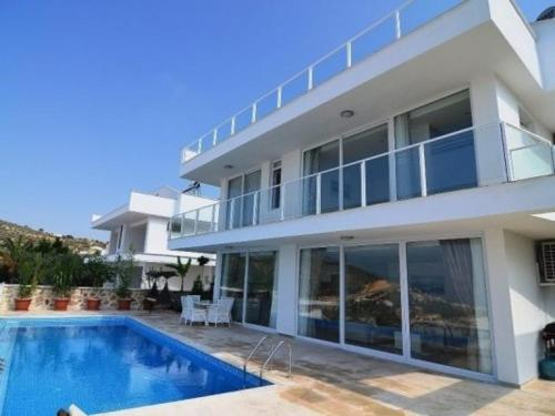 "Kalkan Al Nuzha Villa ""5 Bedroom Holiday Home with Majestic Sea Views"" yol tarifi"