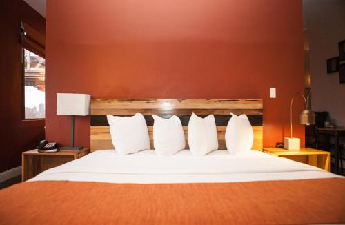 Ravel Hotel Trademark Collection by Wyndham - image 5