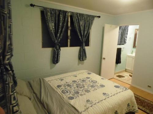 Laie (north Shore Oahu) 4 Bedroom Summer Home - Laie, HI 96762
