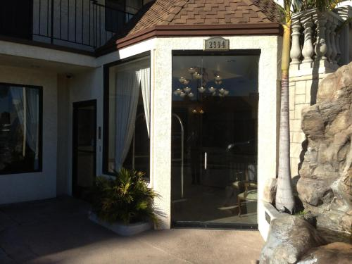 Jolly Roger Hotel - Marina del Rey, CA CA 90292