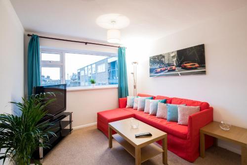 2 Bedroom Apartment Apton Court - Bishops Stortford