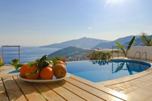 """Kalkan Villa Ipek """"Located in the Picturesque Resort of Kalkan"""" tek gece fiyat"""