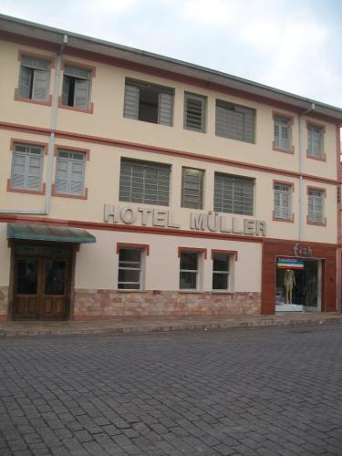 . Hotel Muller