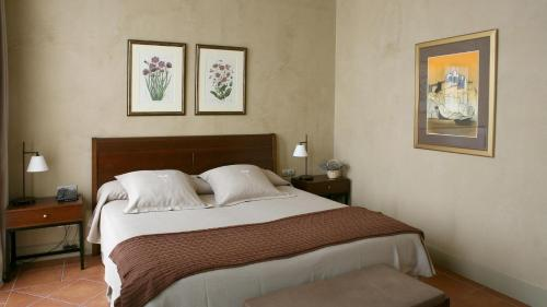 Double or Twin Room Bremon 20
