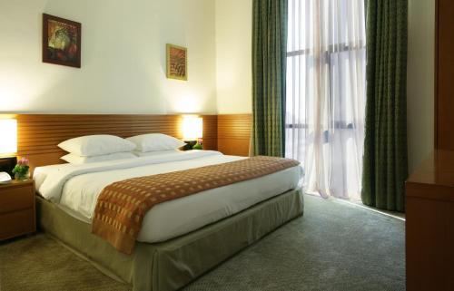 Ramada Hotel & Suites Ajman room photos