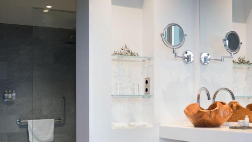 Habitación Doble Básica - 1 o 2 camas Arantza Hotela- Adults Only 8