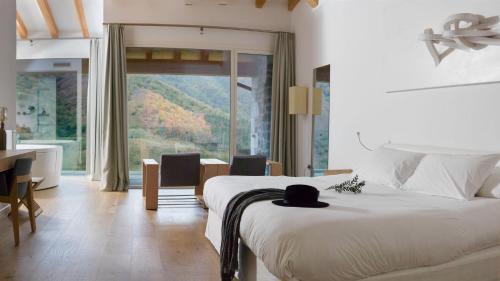 Zimmer - Dachgeschoss Arantza Hotela- Adults Only 9