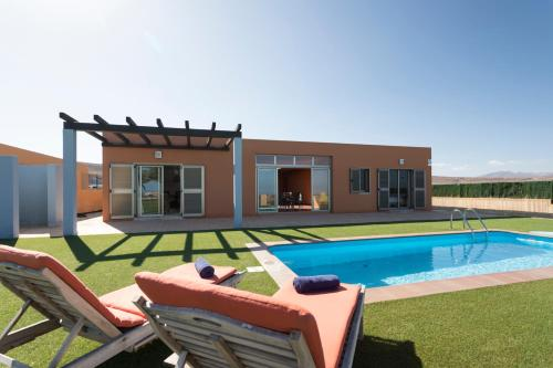 Villas Caleta Beach & Golf