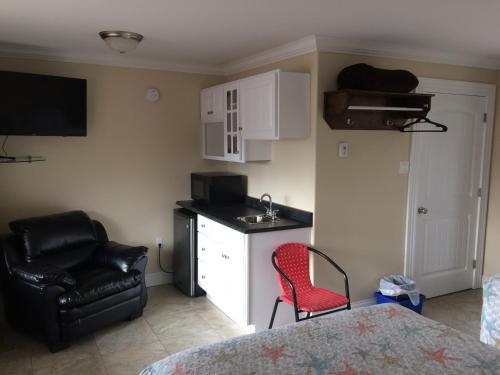 Dolan's Motel - Pictou, NS B0K 1H0