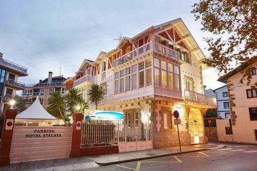 . Hotel Atalaya