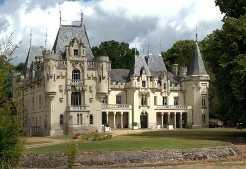 . Chateau de Salvert - Gites