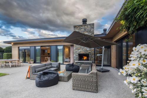 Alpine Retreat - Accommodation - Queenstown