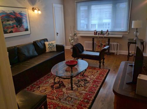 Elcho's ExplOre Ottawa - Apartment