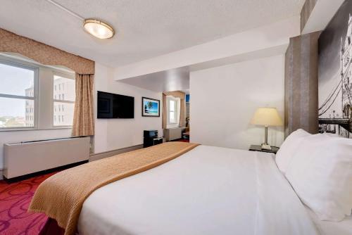 Madison Hotel Boardwalk Main image 1