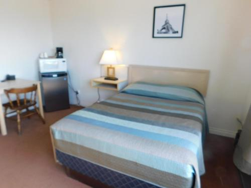 Timberland Hotel - Hinton, AB T7V 2B1