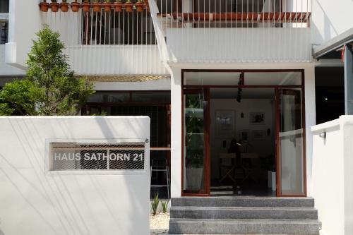 Haus Sathorn 21 photo 22