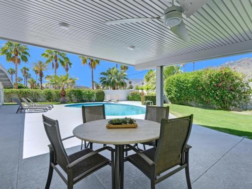 Mid Mod Sunsation - 3 Bedroom - Palm Springs, CA 92262