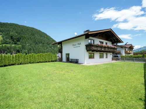 Ina 1 Kirchberg i. Tirol