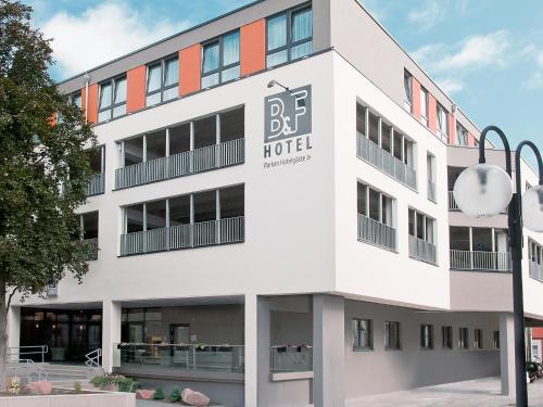 . B&F Hotel am Neumarkt