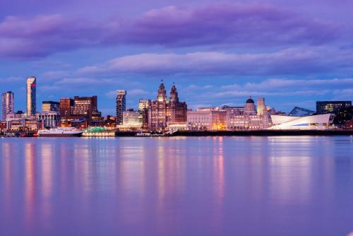 Liverpool Marriott Hotel City Centre picture 1 of 27