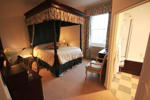 Worsley Arms Hotel - Photo 5 of 55