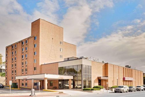 Hotels Vacation Als Near Northern Michigan University Usa Trip101