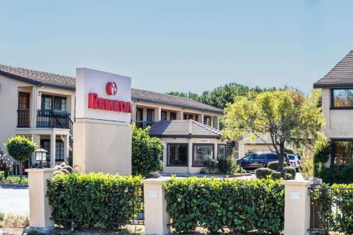 Ramada by Wyndham Mountain View - Mountain View, CA CA 94043