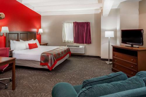Ramada Hotel & Conference Center By Wyndham Hammond - Hammond, IN 46320