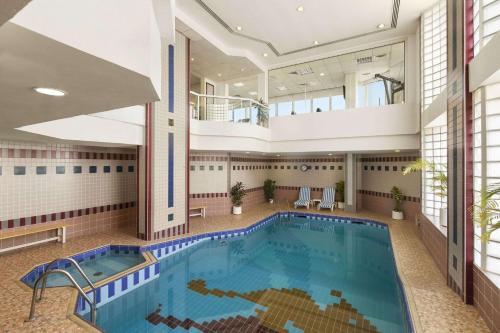 Фото отеля Ramada by Wyndham Beach Hotel Ajman