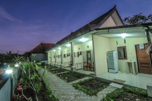 Putu Lembongan Lodge