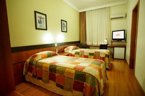 Photo - Eston Hotel