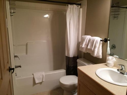 1 Bedroom Lodges At Canmore - Canmore, AB T1W 0G2