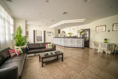 . Hotel Oasis Familiar
