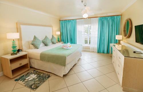 Bay Gardens Beach Resort room photos