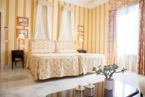 Habitación Doble Superior - 1 o 2 camas (1 adulto) Villa Jerez 8