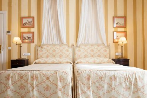 Double or Twin Room Villa Jerez 10