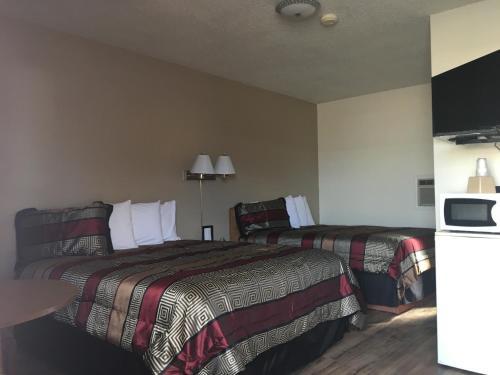 . Travel Inn Motel