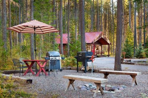 Reclusive Moose Cabins - Columbia Falls, MT 59912