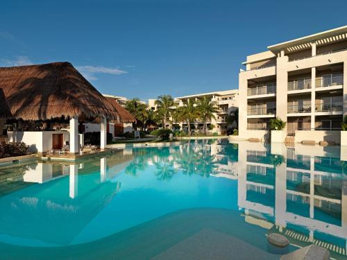 Calle Quinta Avenida, Luis Donaldo Colosio, 77719 Playa del Carmen, Quintana Roo, Mexico.