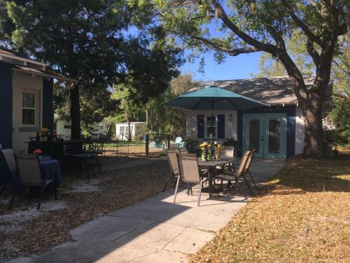 Ozona Bungalow and guesthouse - Ozona, Florida
