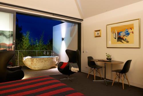 43 High Street, East Launceston TAS 7250, Australia.